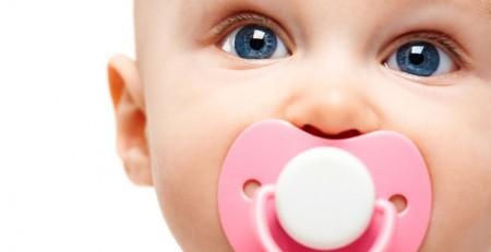 پستانک های شیرین به تسکین درد نوزادان کمک می کنند.